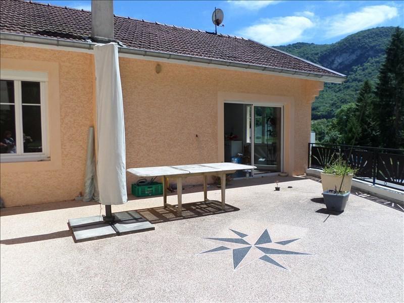 Sale house / villa Thoirette 185000€ - Picture 1