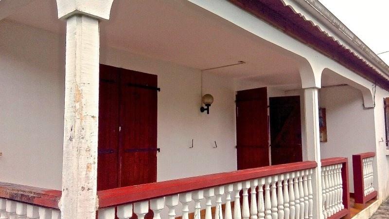 Sale house / villa Trois rivieres 255000€ - Picture 2