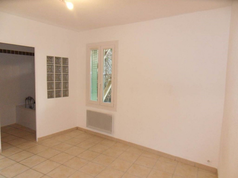 Rental apartment Entraigues sur la sorgue 530€ CC - Picture 5