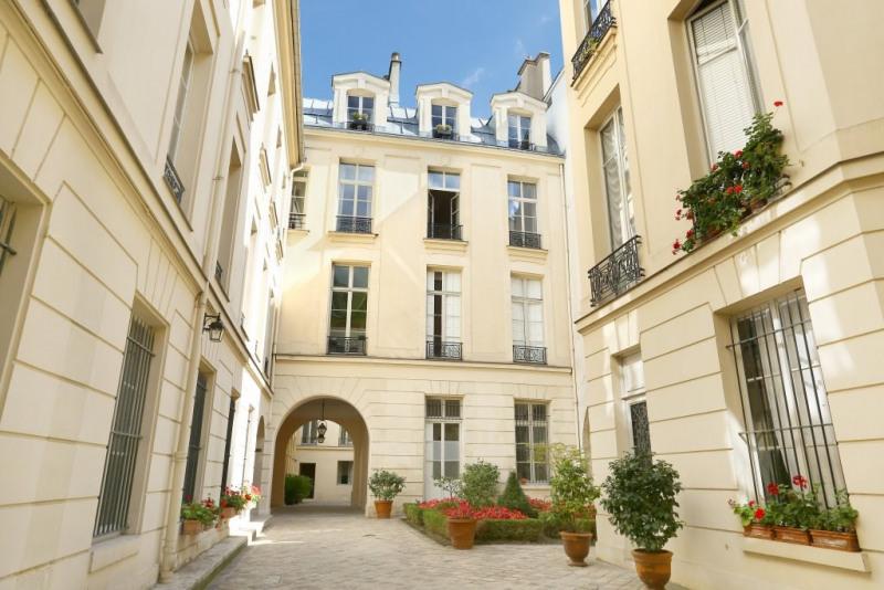 Vente de prestige appartement Paris 4ème 777000€ - Photo 12