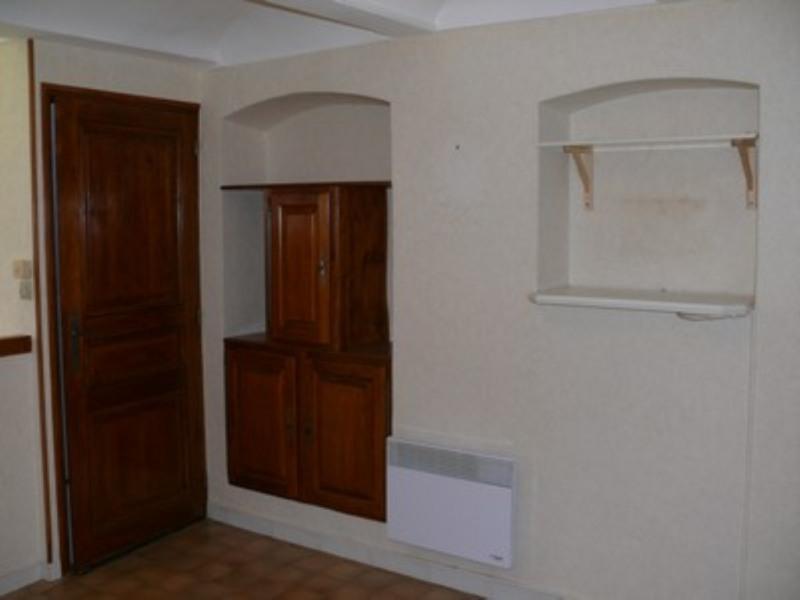 Location appartement Villeneuve-de-berg 420€ CC - Photo 6