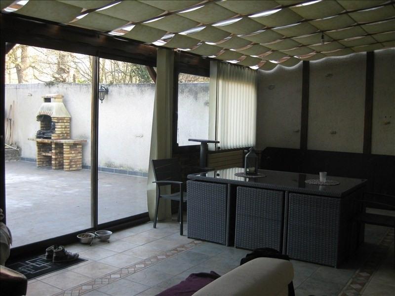 Sale house / villa Fontenay st pere 252000€ - Picture 1