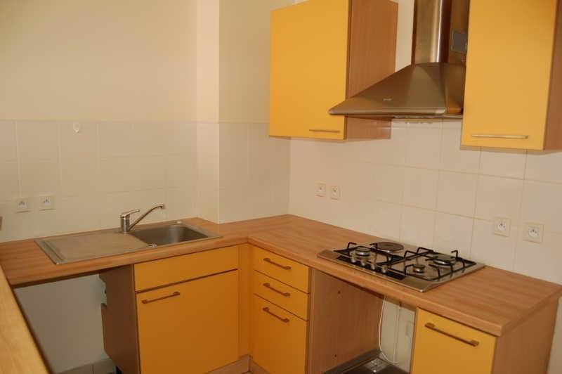Rental apartment La possession 700€ CC - Picture 2