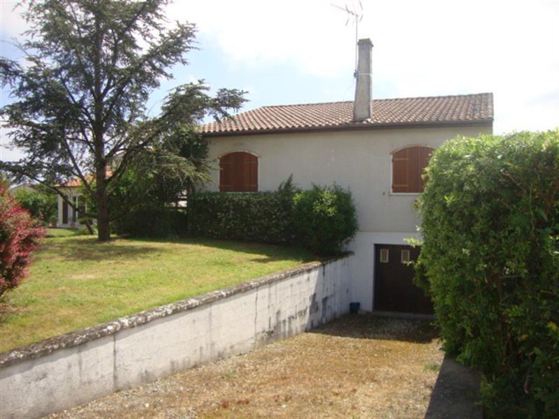 Vente maison / villa Saint-jean-d'angély 129900€ - Photo 2