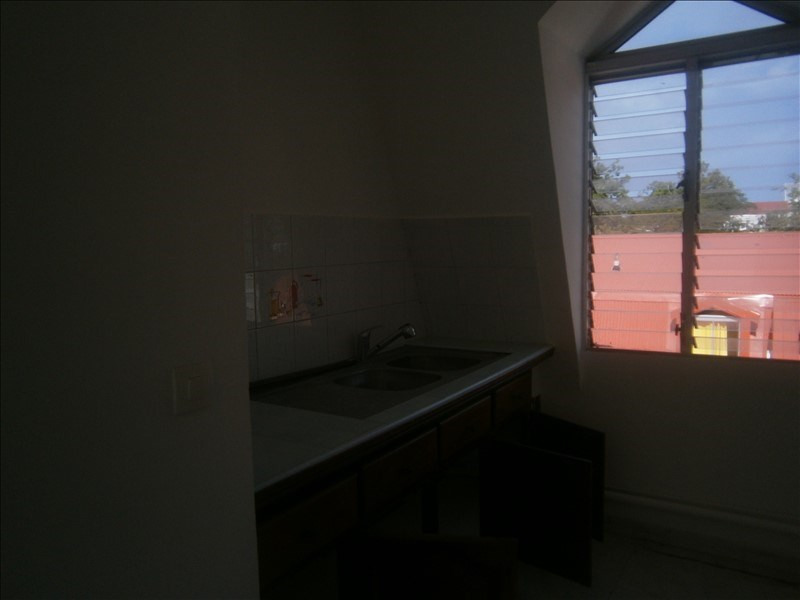 Investment property apartment Basse terre 88 000€ - Picture 3