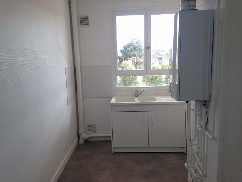 Rental apartment Maurepas 781€ CC - Picture 2