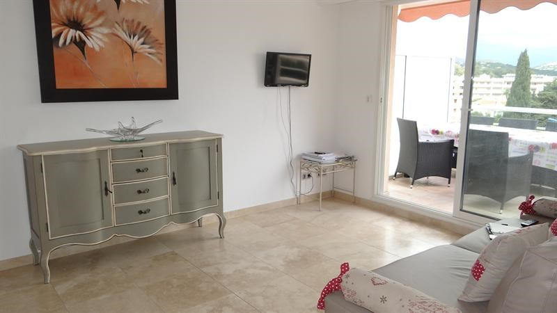 Location vacances appartement Cavalaire 900€ - Photo 7