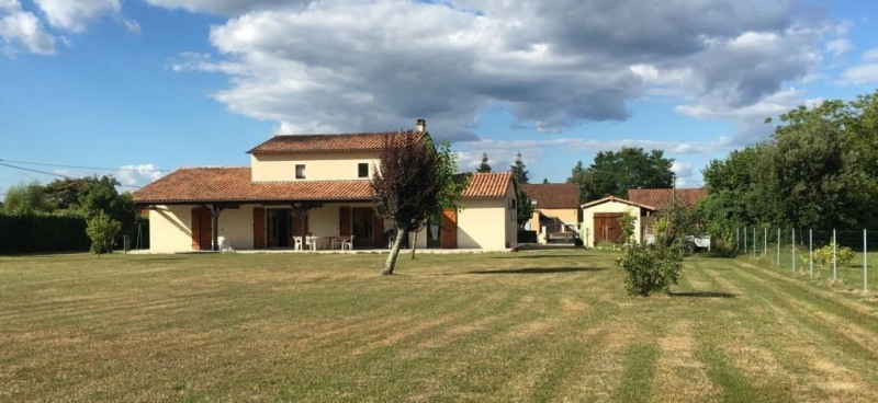 Sale house / villa Saint pierre d'eyraud 265 000€ - Picture 1