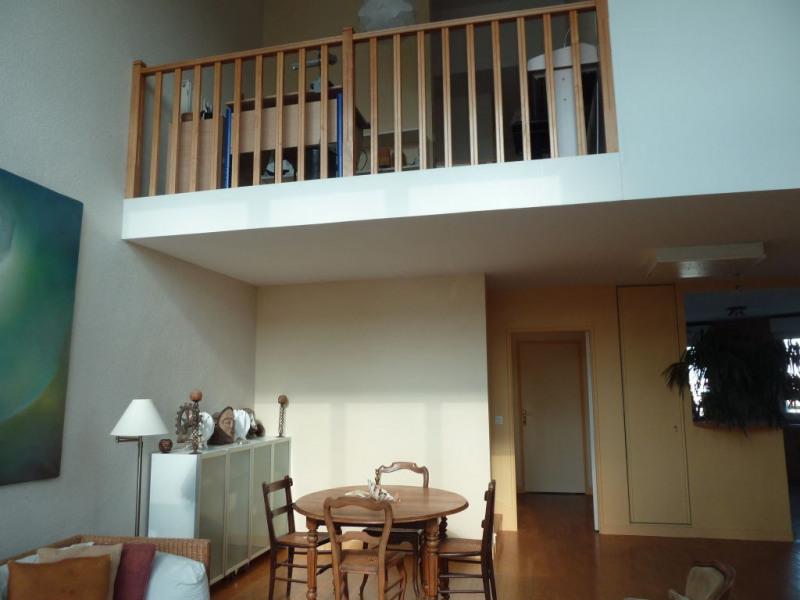 Rental apartment Courbevoie 4 200€ CC - Picture 6