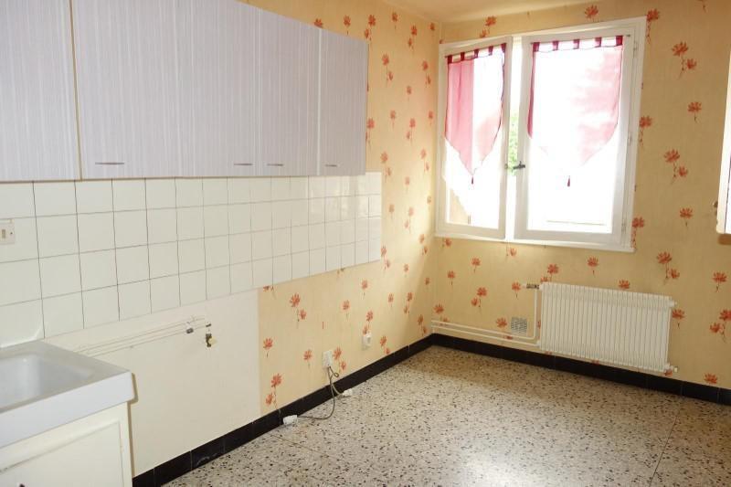 Location appartement Le coteau 360€ CC - Photo 1