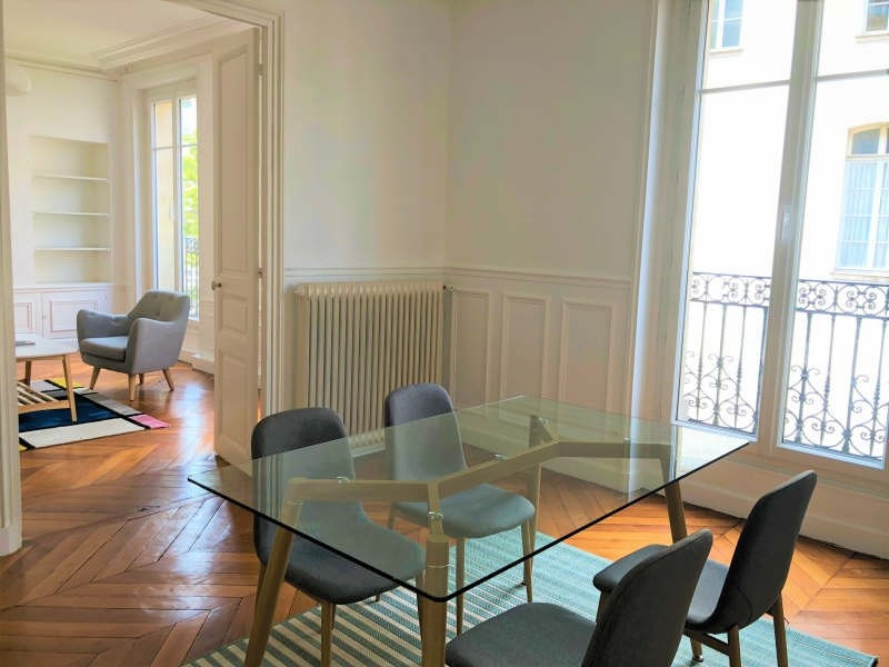 Rental apartment Paris 3ème 3 150€ CC - Picture 2
