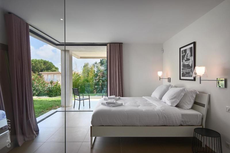 Vermietung von ferienwohnung wohnung Le golfe juan 5400€ - Fotografie 14