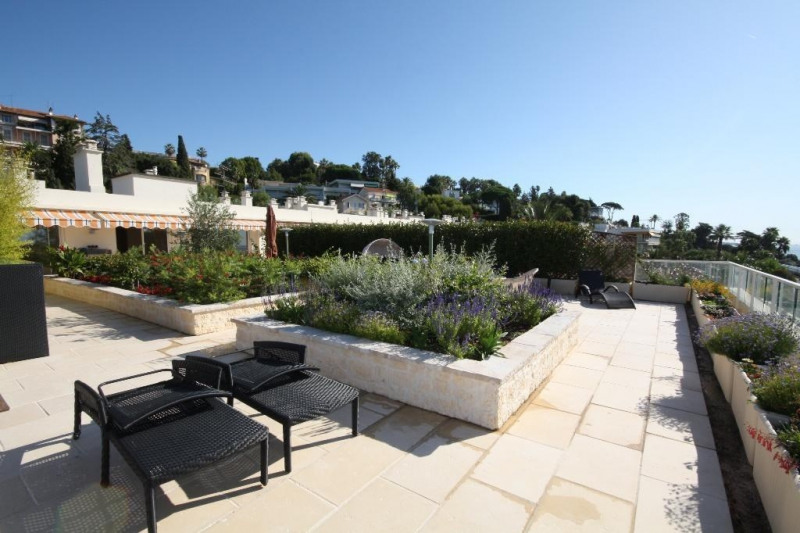 Deluxe sale apartment Cannes 1 990 000€ - Picture 2
