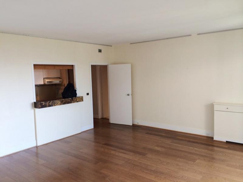Location appartement Paris 8ème 1436€ CC - Photo 3