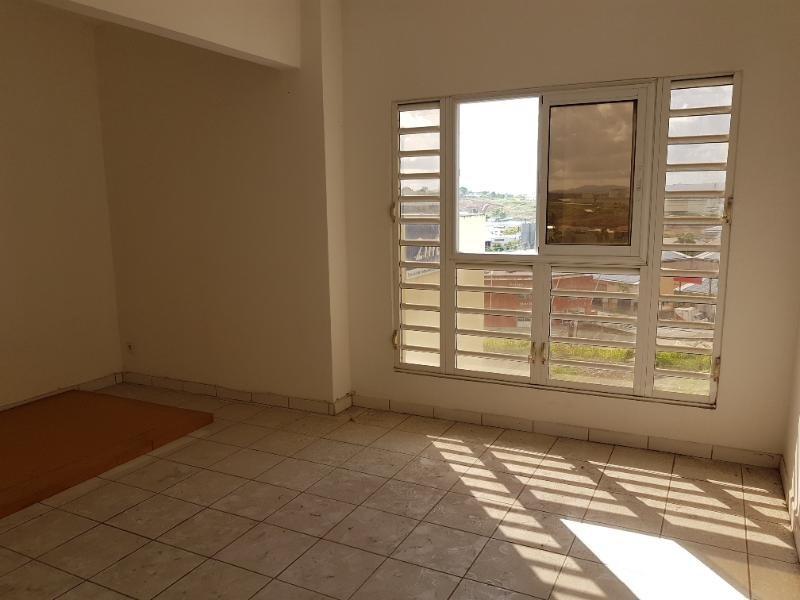 Sale apartment Fort de france 48000€ - Picture 2