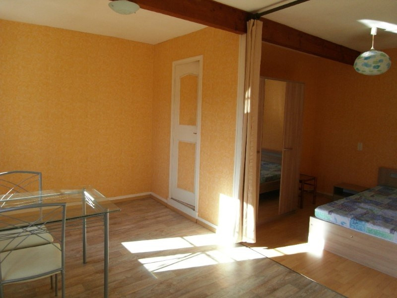 Location appartement Cognac 330€ CC - Photo 2