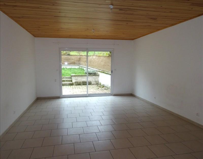 Rental house / villa St jean de bournay 700€ CC - Picture 2