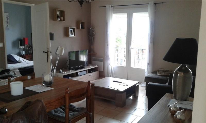 Rental apartment Lambesc 715€ CC - Picture 1