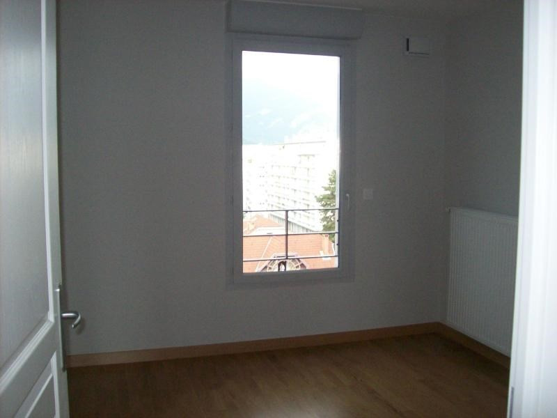 Location appartement Grenoble 1097€ CC - Photo 2