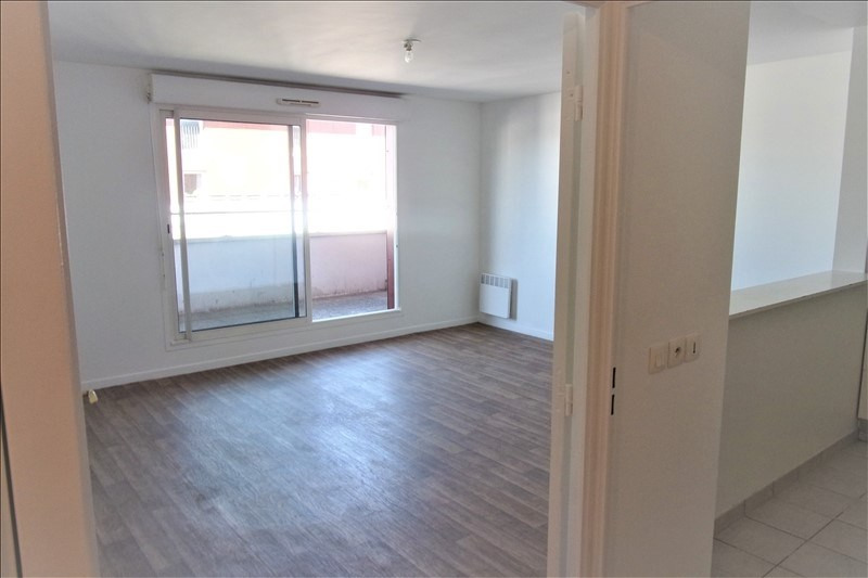 Location appartement La plaine st denis 1 070€ CC - Photo 2