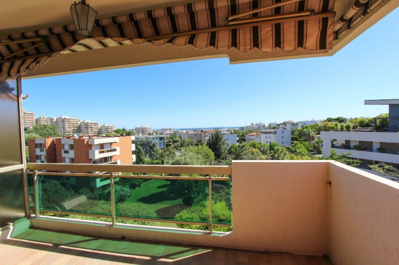 Sale apartment Juan les pins 349 000€ - Picture 2