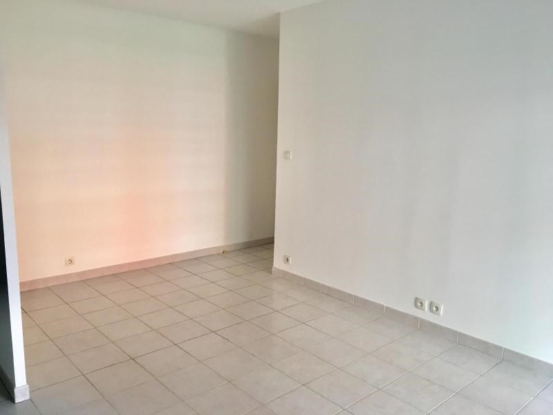 Location appartement Aix en provence 755€ CC - Photo 1