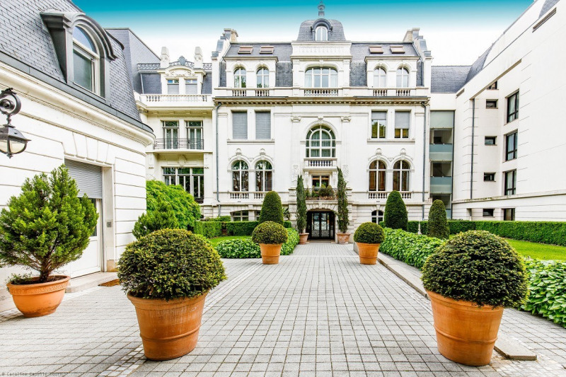 EXCLUSIVE RIGHTS - LYON 6 - APARTMENT OF EXCEPTION OF 2,798 SQ.FT - 2 BEDROOMS
