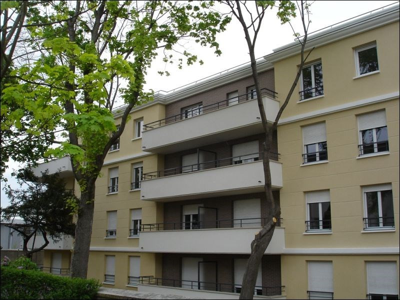 Rental apartment Viry-chatillon 959€ CC - Picture 1
