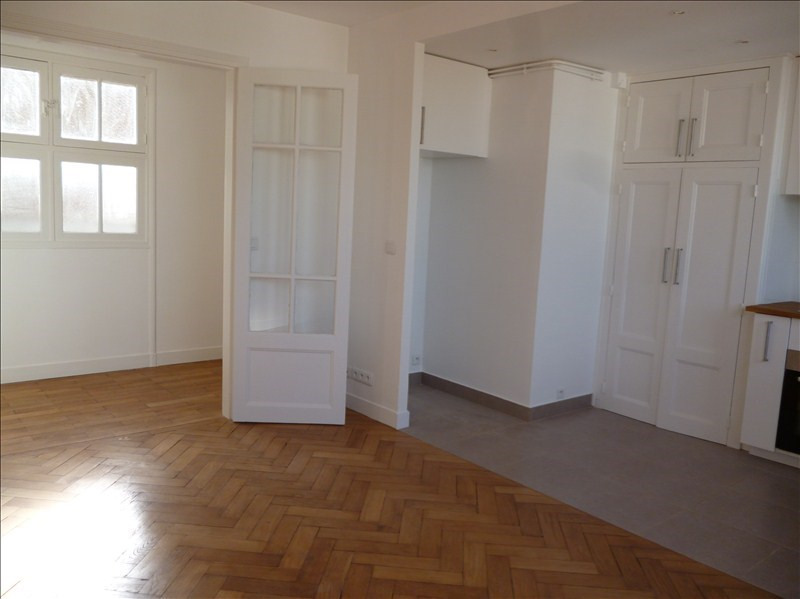 Location appartement Paris 20ème 1304€ CC - Photo 9