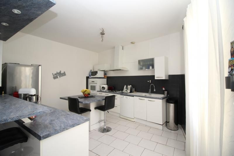 Sale apartment Mallemort 149500€ - Picture 2