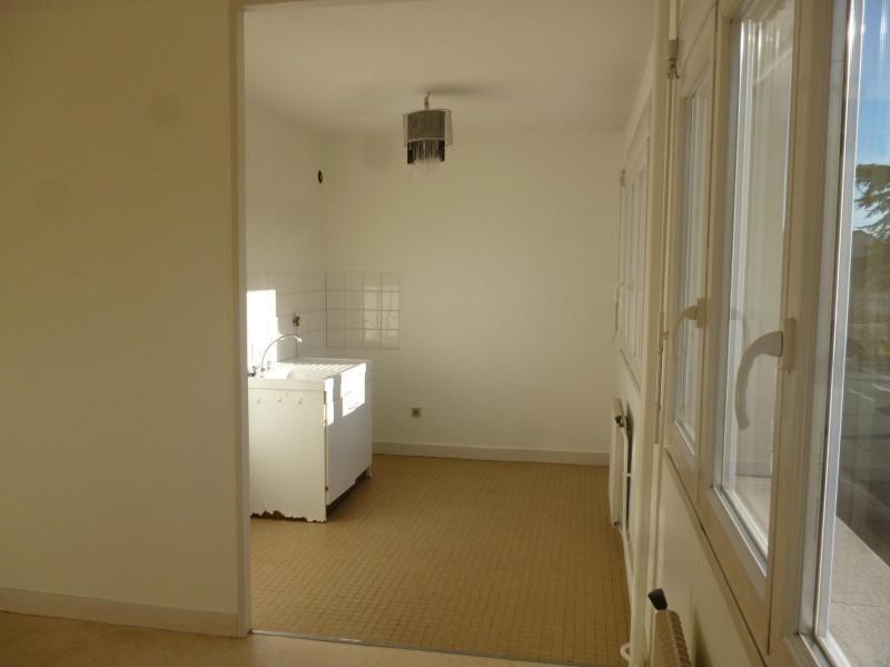 Location appartement Le coteau 310€ CC - Photo 2