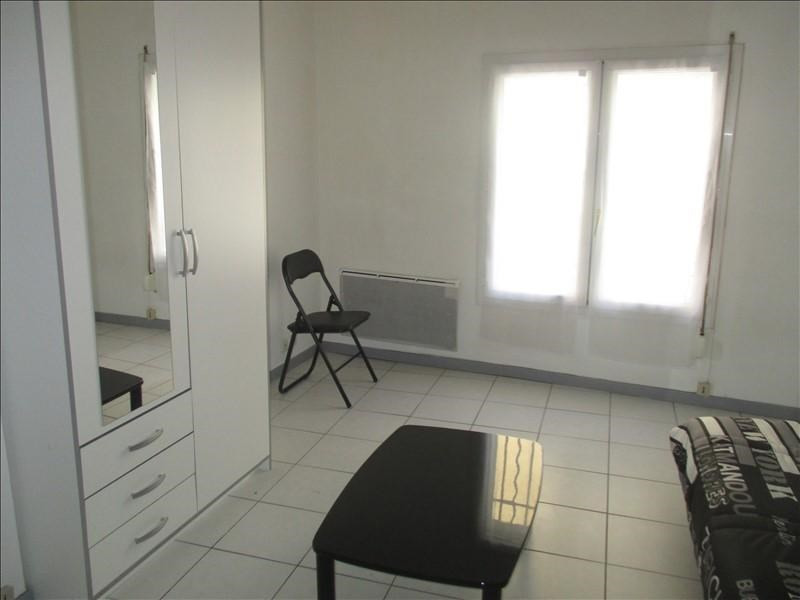 Rental apartment Nimes 365€ CC - Picture 2