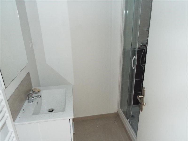 Locação apartamento Ste genevieve des bois 850€ CC - Fotografia 2