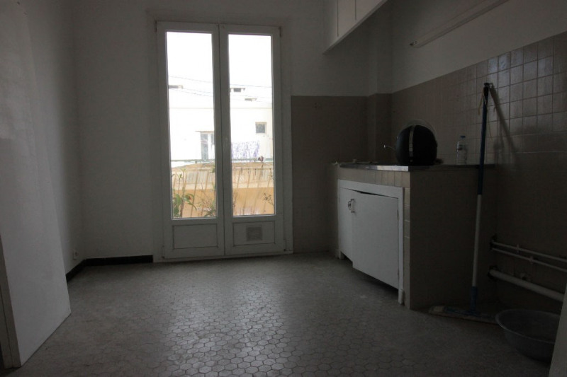 Sale apartment Marseille 79 000€ - Picture 2