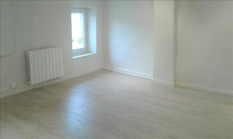 Rental apartment St genis laval 790€ CC - Picture 2