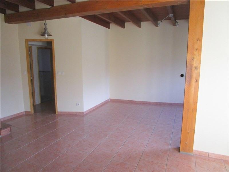 Rental house / villa St pierre de juillers 520€ CC - Picture 4