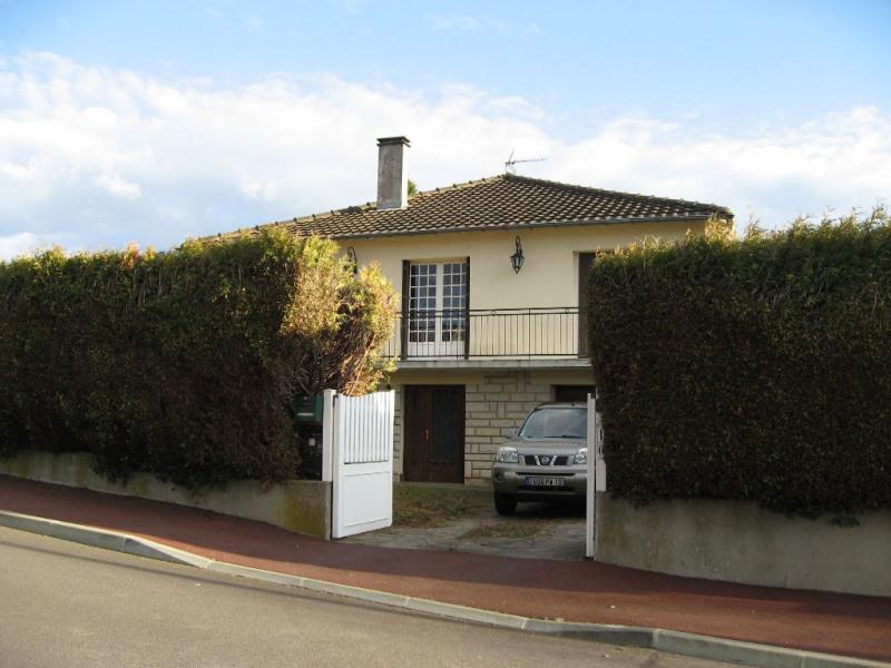 Location maison / villa Isle 830€ CC - Photo 2