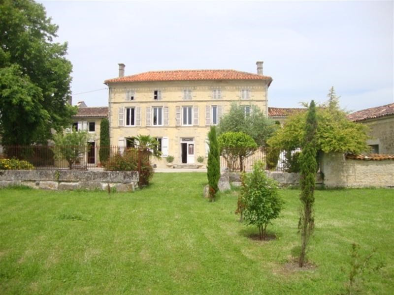 Sale house / villa Loulay 254400€ - Picture 3