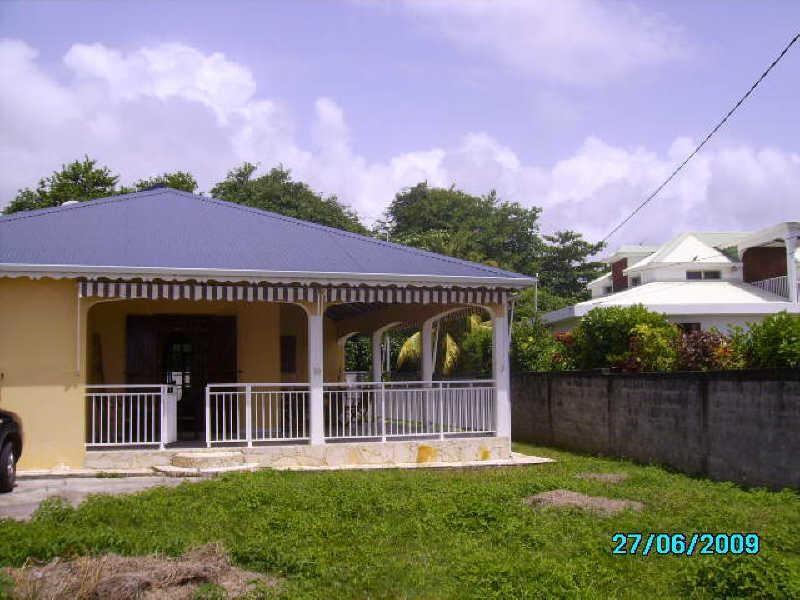 Rental house / villa Capesterre belle eau 1150€cc - Picture 1