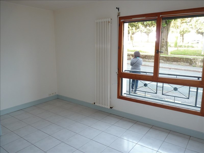 Rental apartment La roche sur yon 415€ CC - Picture 1