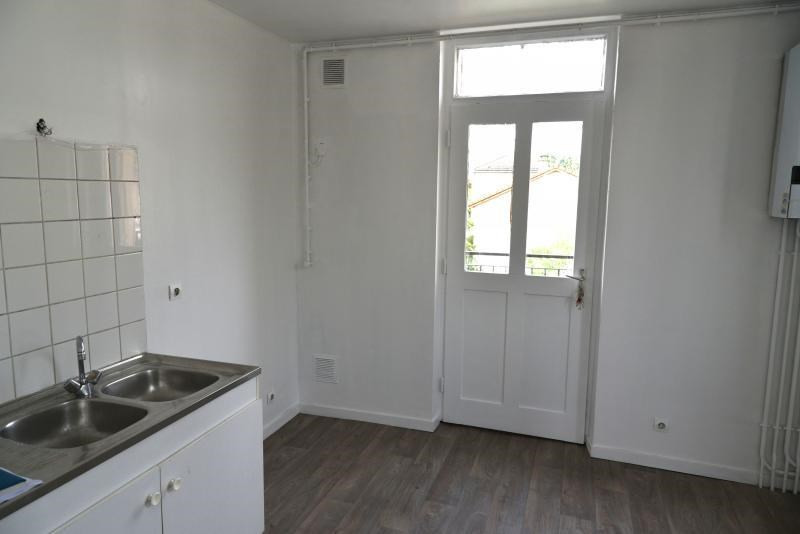 Location appartement Oyonnax 380€ CC - Photo 3