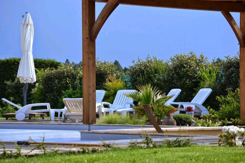 Deluxe sale house / villa Lamonzie saint martin 682500€ - Picture 2