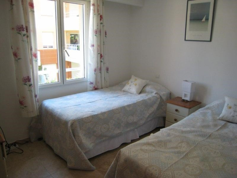 Location vacances appartement Cavalaire 500€ - Photo 6