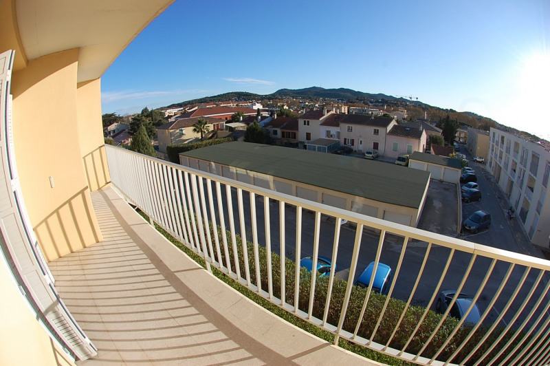 Sale apartment Six fours les plages 170 000€ - Picture 1