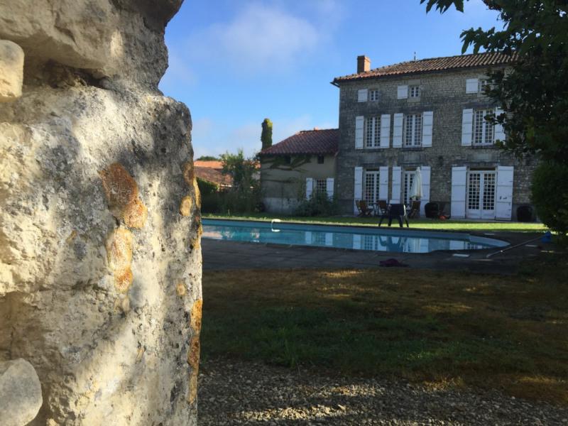 Sale house / villa Saint-jean-d'angély 465000€ - Picture 2