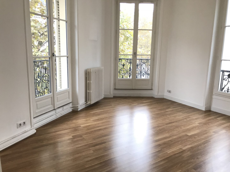 Location appartement Paris 11ème 2 627€ CC - Photo 1