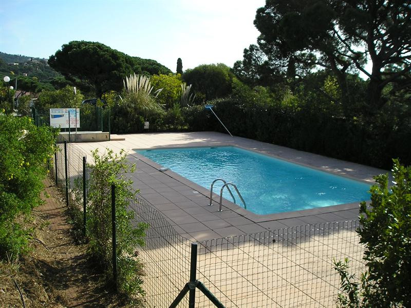 Vacation rental apartment Les issambres 1 175€ - Picture 5