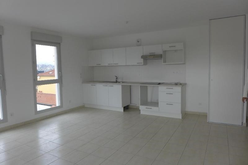 Rental apartment Saint fons 962€ CC - Picture 6