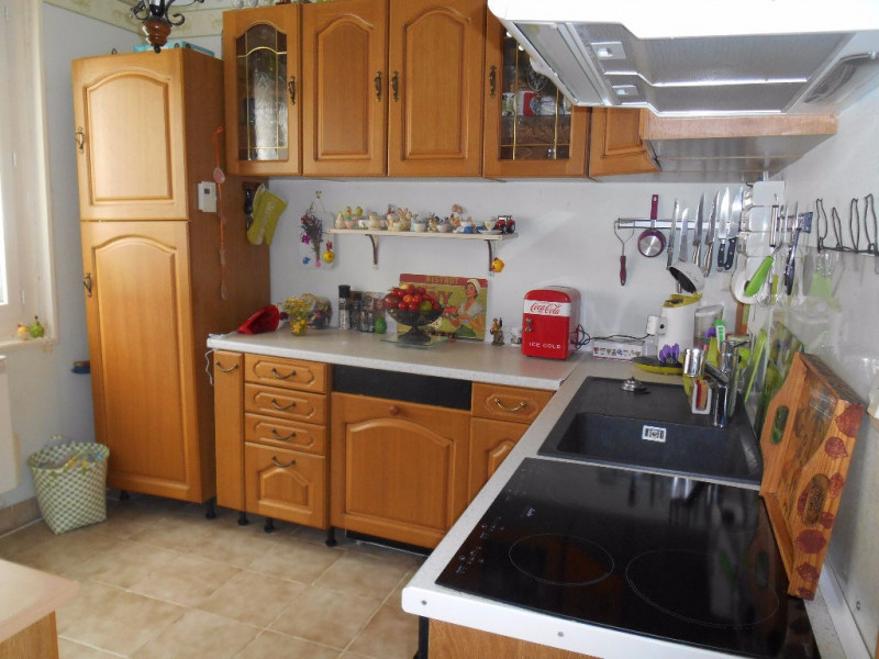 Sale house / villa Crevecoeur le grand 142 000€ - Picture 3