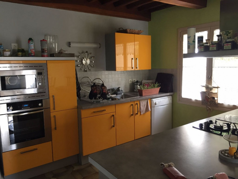 Location maison / villa Sardieu 700€ CC - Photo 3